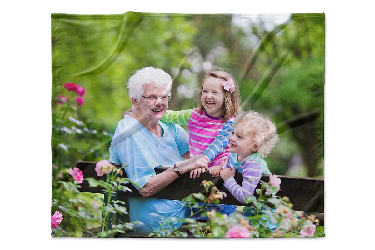 The Best Personalized Photo Blankets For Quality and Comfort 2