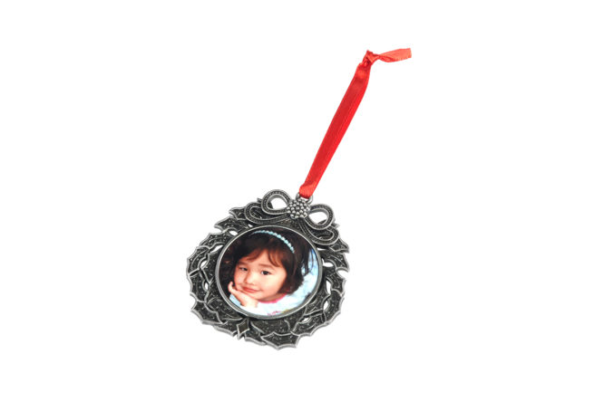 custom metal wreath photo ornament
