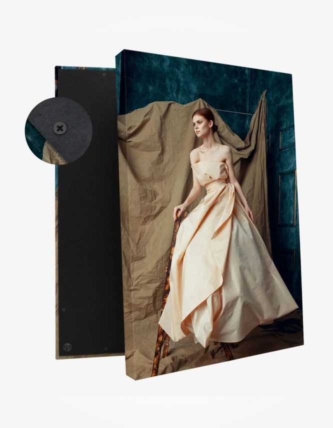 Premium Canvas Photo Print with picture of a woman from Goodprints